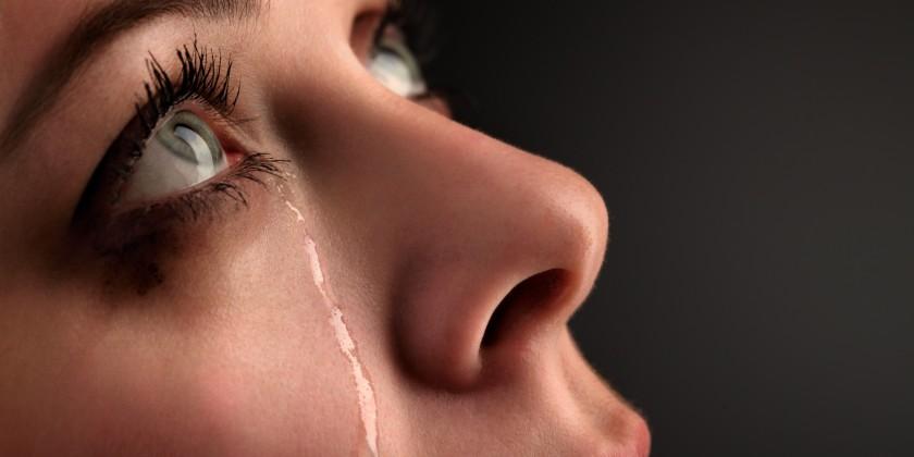 Ağlamak ile ilgili anlamlı ve güzel sözler