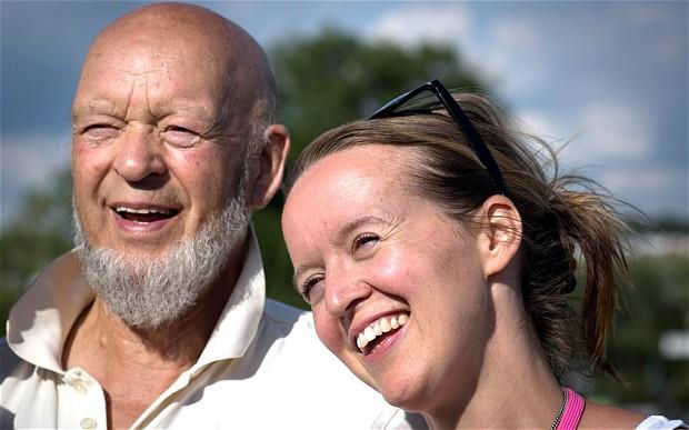 yaşlı çiftçi ve kızı